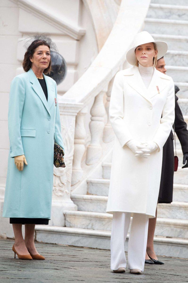 Machtkampf im monegassischen Fürstenpalast? Prinzessin Caroline und Fürstin Charlène wirken nicht wie Erzfeindinnen, auch wenn in der Presse oft etwas anderes zu lesen ist. © picture alliance / abaca