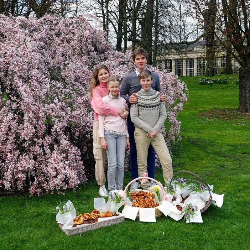 Prinzessin Elisabeth und ihre Geschwister unterstützen einsame Senioren, die aktuell aus Vorsichtsmaßnahmen keinen Besuch empfangen dürfen.  © Belgian Royal Family