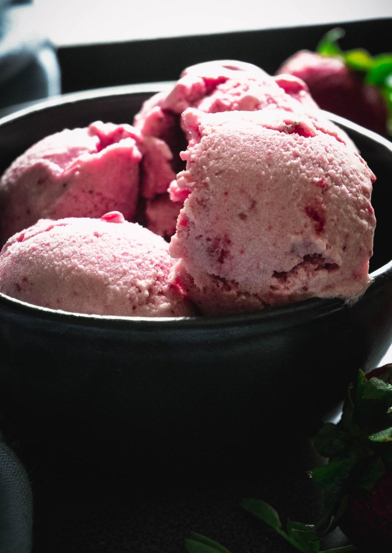paleo no churn ice cream in bowl