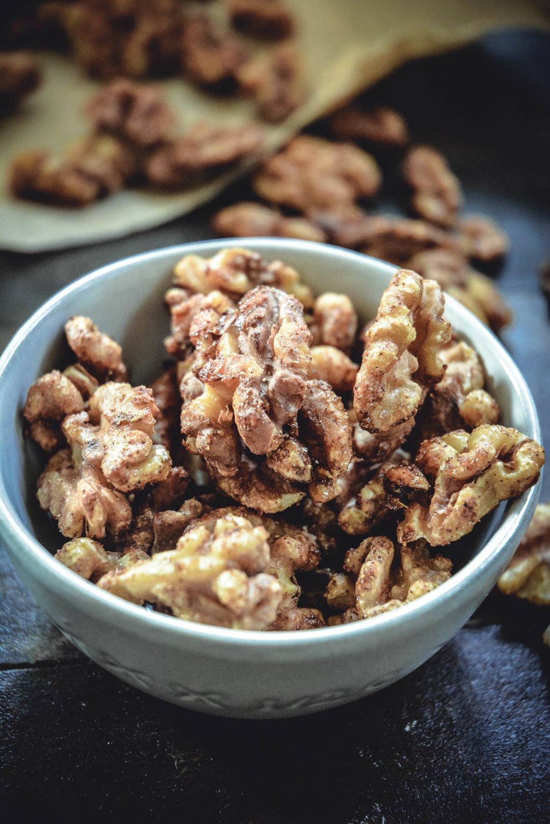 paleo maple cardamom candied walnuts