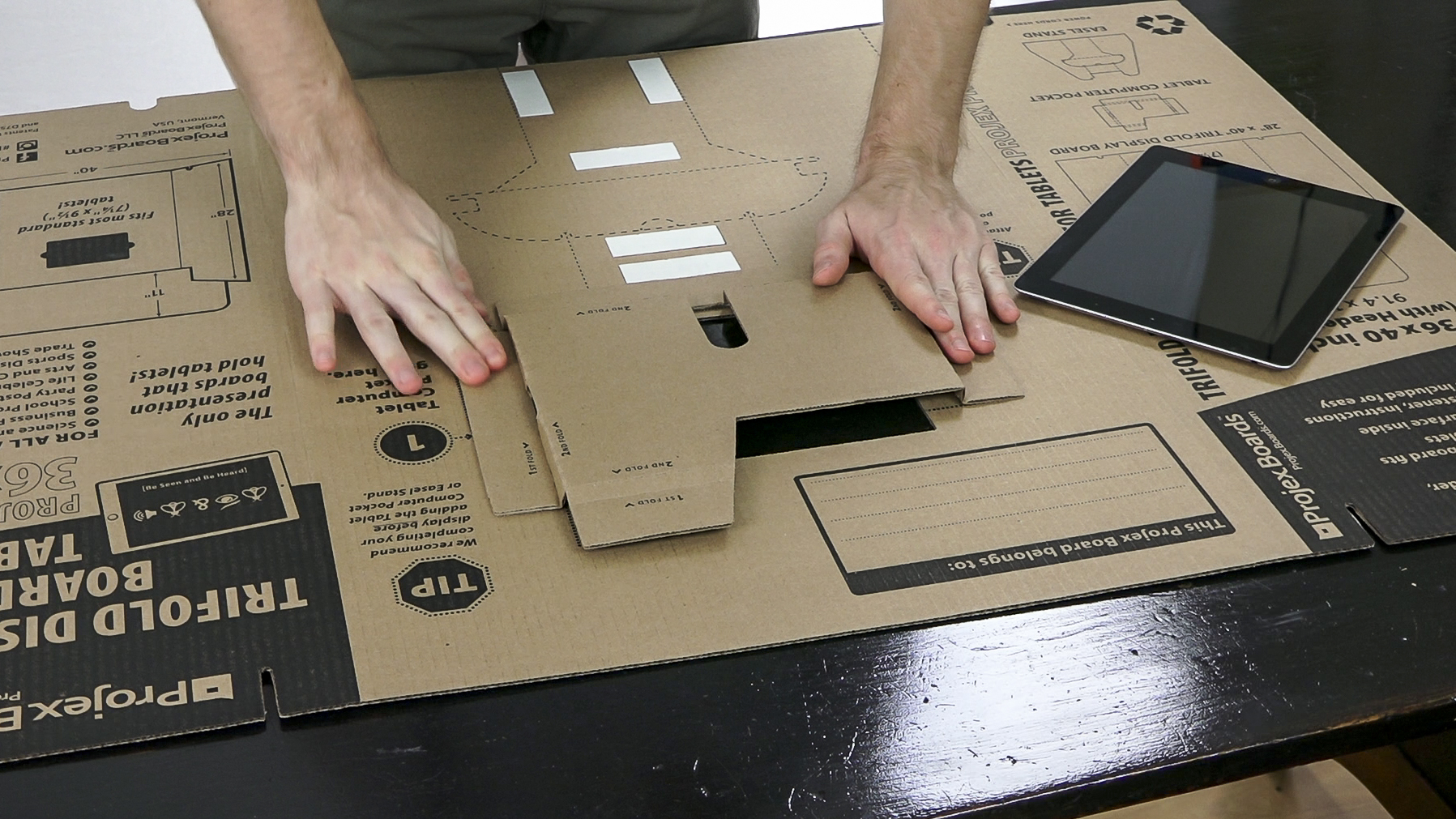 tri fold display board for ipad