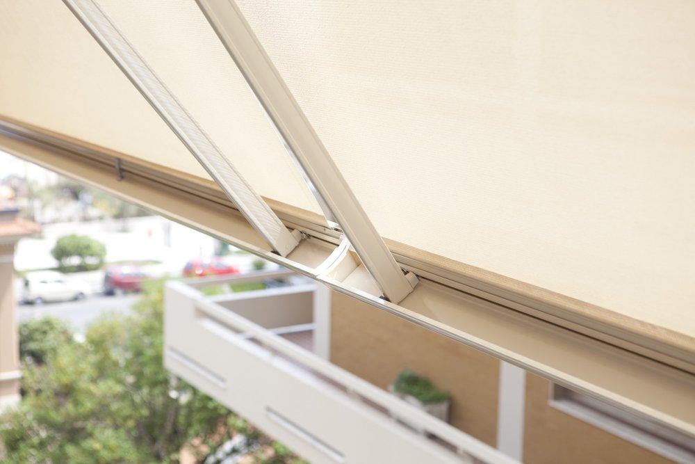 E' una tenda a rullo trasparente p , fornita completa di cassonetto e guide laterali. 5 Cose Da Sapere Prima Di Comprare Una Tenda Da Sole Fabbi