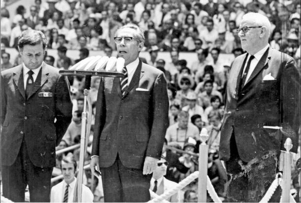 Díaz Ordaz inaugurando el mundial de fútbol en 1970