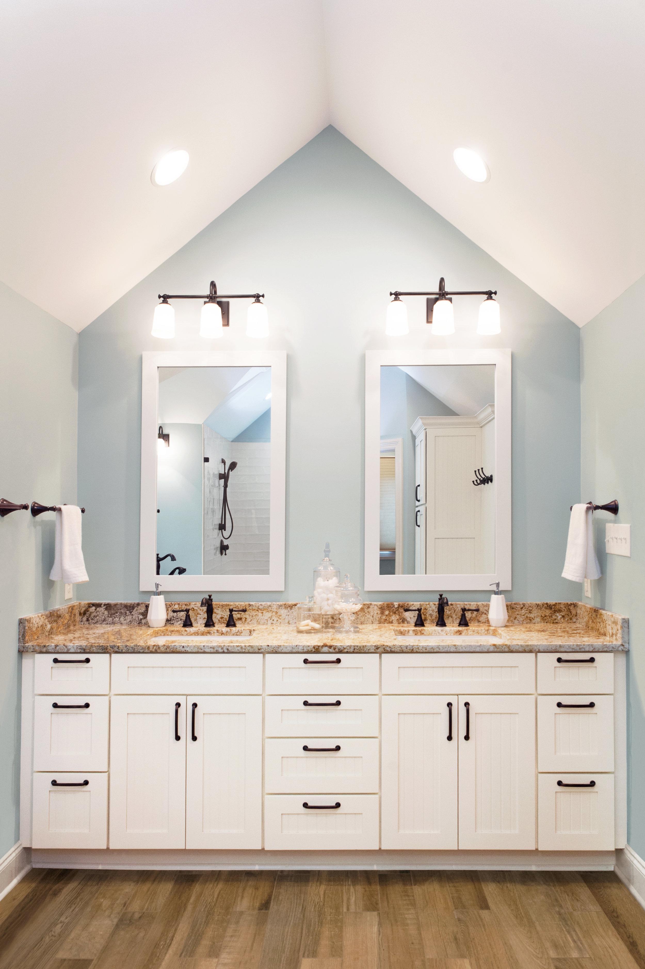 Modern Farmhouse Bath Flourish Interior Design