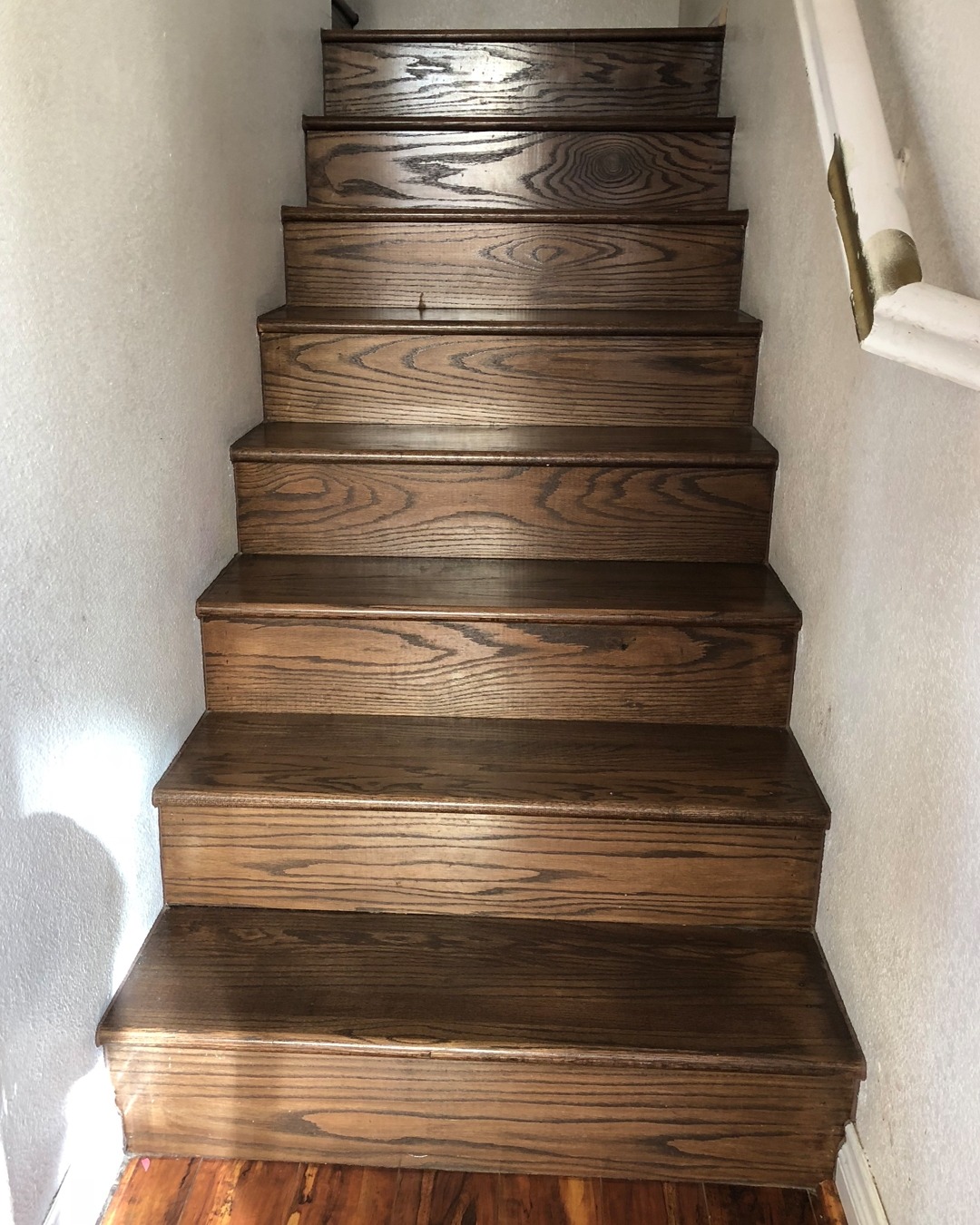 How To Paint Wood Stairs With Chalk Paint — Bb Frösch | Stairs Covered In Wood | Round | Interior | Metal | Random | Luxury