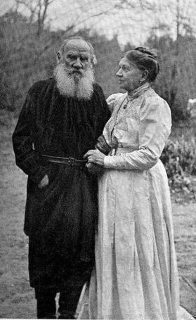 Tolstói y Sofía su esposa.