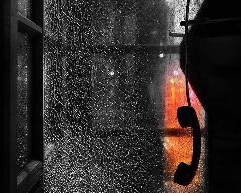 llamadas de ámsterdam - Llamadas de Ámsterdan es una historia corta de Juan Villoro que explora la nostalgia y los recuerdos de una relación amorosa acabada de la que Juan Jesús, el protagonista, no se puede desprender.