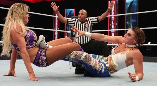 charlotte-flair-vs-rhea-ripley-wrestlemania-36.jpg