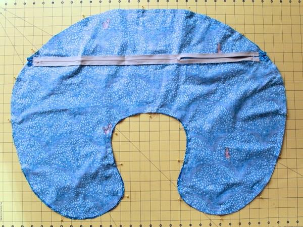 baby nursing pillow cover tutorial