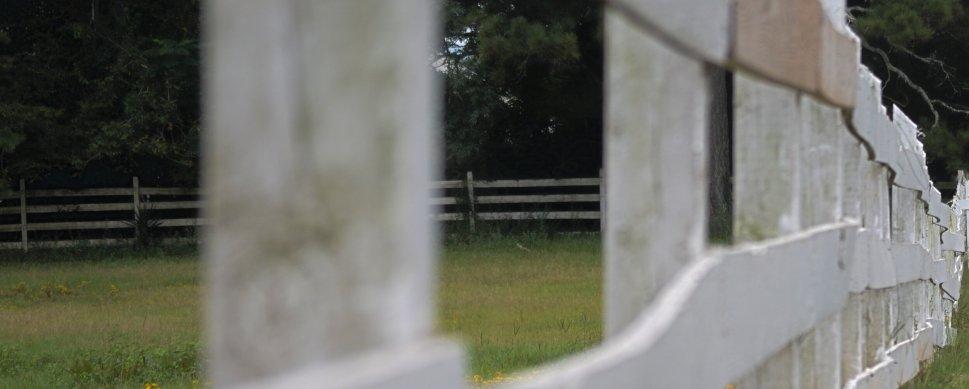 fence-at-farm1-e1524053411834.jpeg