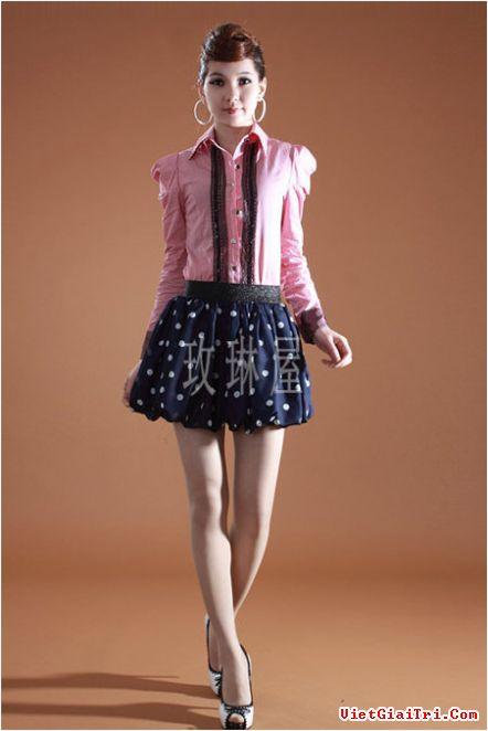Kết hợp hoàn hảo chân váy xòe, xếp li + sơ mi