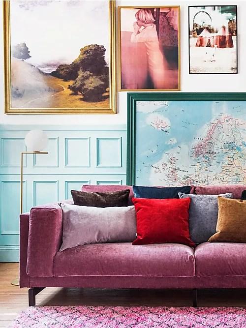 Un evergreen è quello di arredare la parete sopra il divano con una cornice. Come Decorare La Parete Dietro Divano 10 Idee Stylight