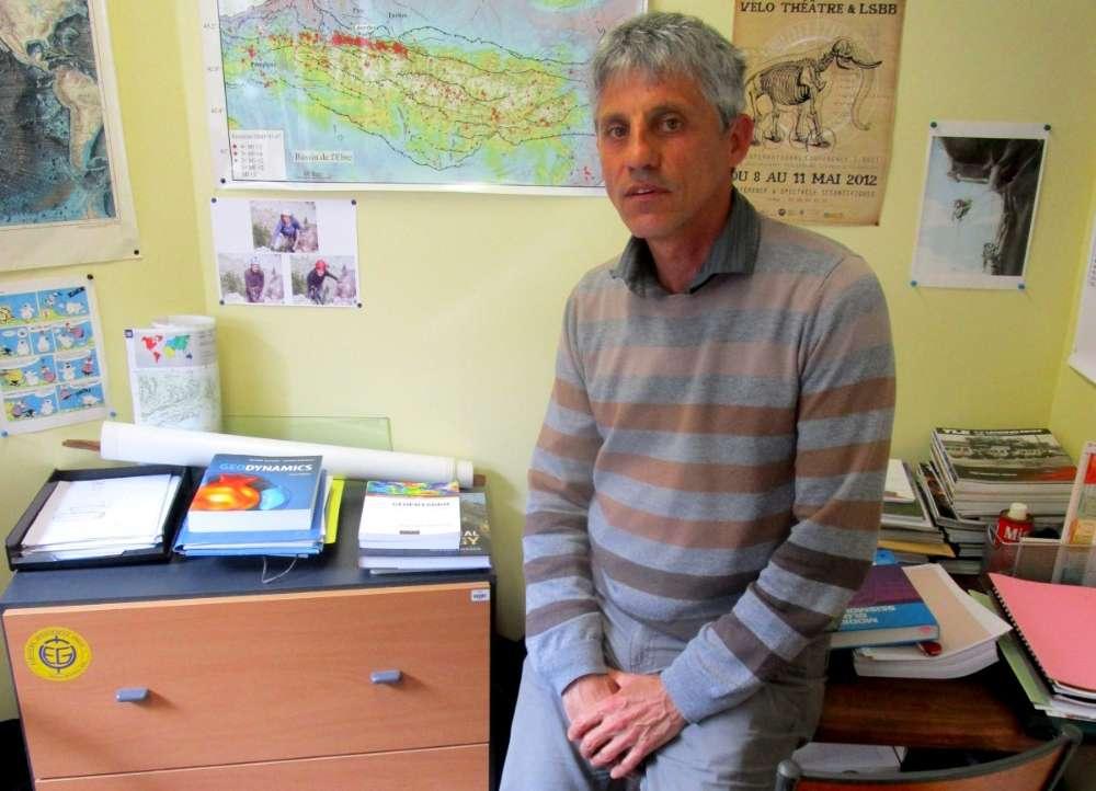 Guy Sénéchal, maître de conférences en géophysique à l'université de Pau et des Pays de l'Adour