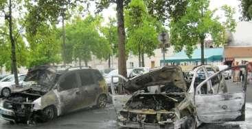 Afbeeldingsresultaat voor 14 juillet 900 voitures incendiees