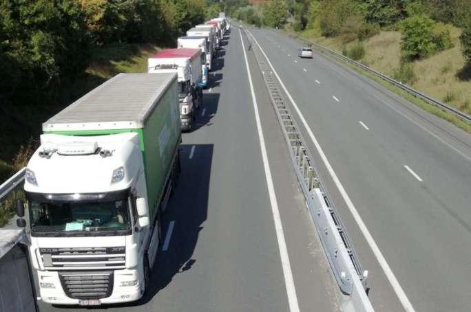 El nacional fue cortado en ambas direcciones de tráfico.