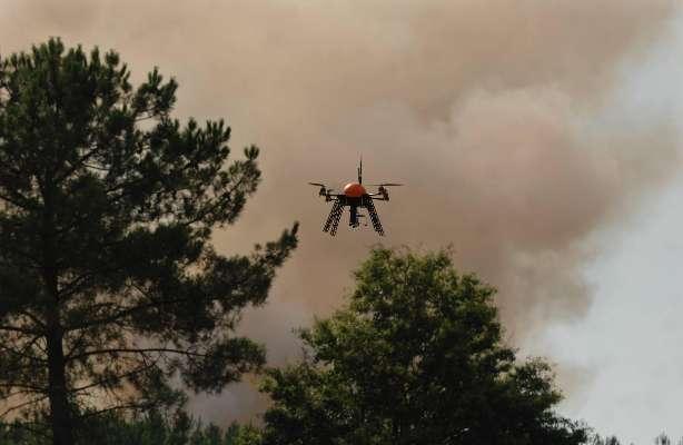 Drones, caméras, tenues : les pompiers équipés pour l'avenir