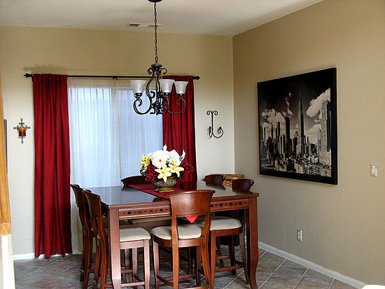 Home And Garden: Dining Room Curtain Designs on Dining Room Curtains Ideas  id=83880