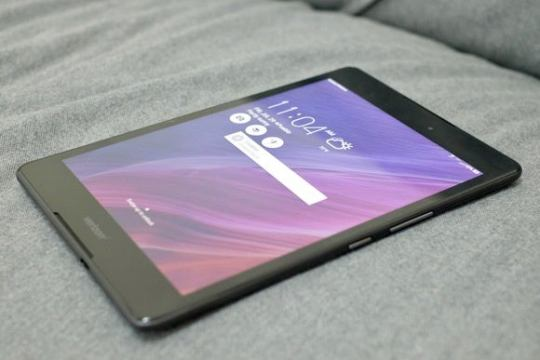 Asus ZenPad Z8 review  A capable tablet not worth signing a contract     asus zenpad z8 lock screen
