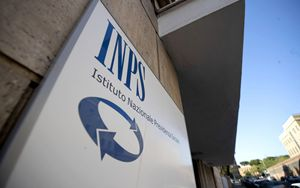 INPS, slittano termini per l'accertamento dell'esistenza in vita dei pensionati all'estero