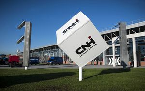 CNH, FPT Industrial signs memorandum with Microvast for electric batteries