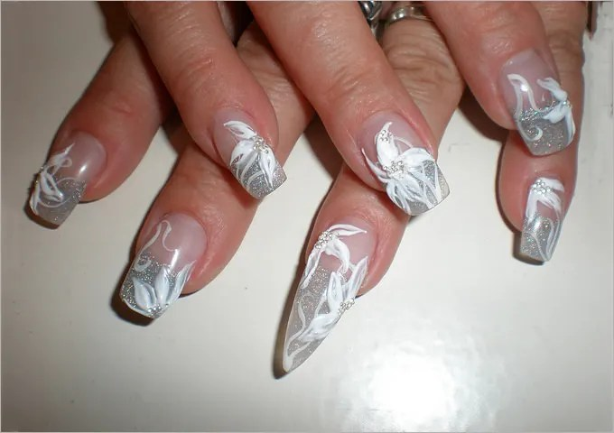 Regardless Of Whether You Have A Small Or Well Maintained Long Nails This Gel Nail Design Is For Everyone It Has Neutral Base And Half The