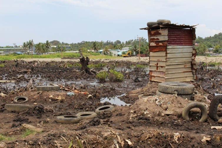 An unsafe toilet next to an informal settlement in Fiji. Author's own, Author provided