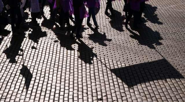 Por qué el mercado laboral español excluye a los jóvenes: propuestas de mejora