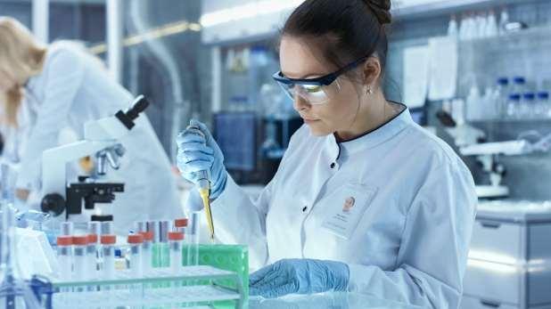 Woman scientist working in lab