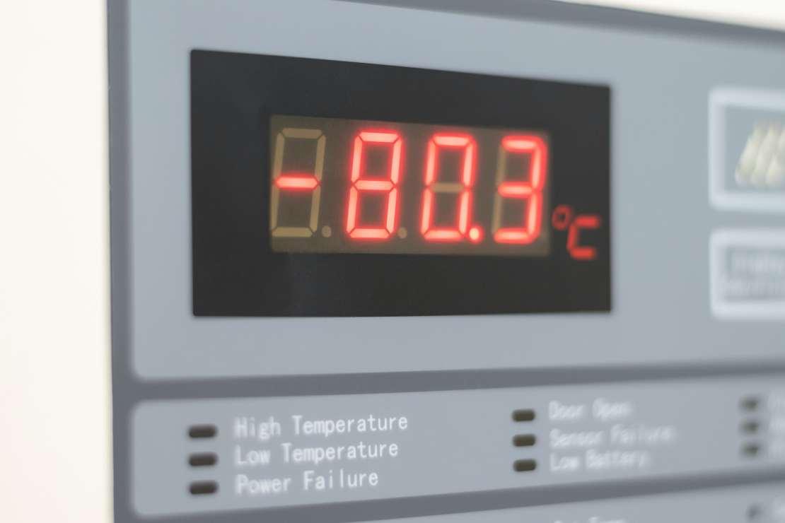 A low-temperature freezer set to -80.3C