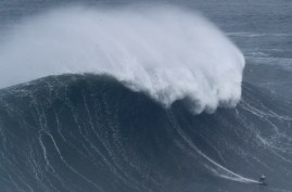 What makes the world's biggest surfable waves?