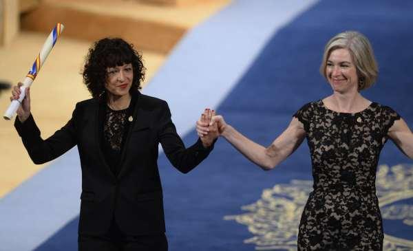 French researcher Emmanuelle Charpentier (left) and U.S. biochemist Jennifer Doudna (right)