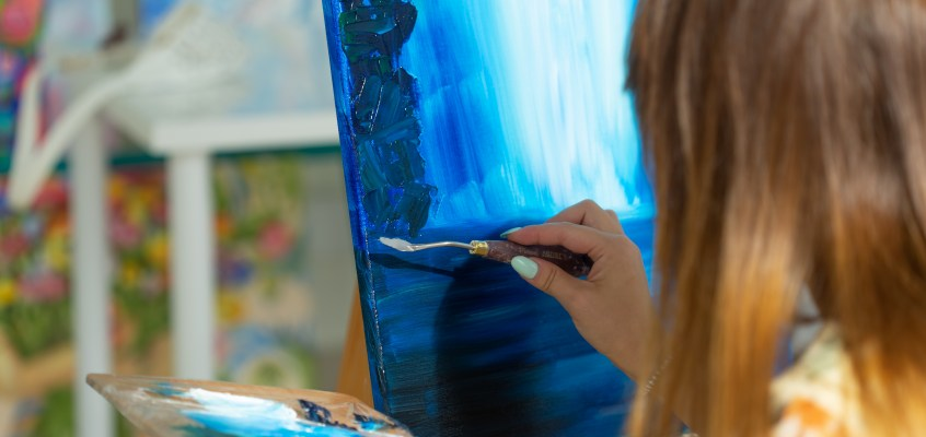 Art, drama and music lower stress. Here's what you need to know if you're thinking of taking arts in years 11 and 12