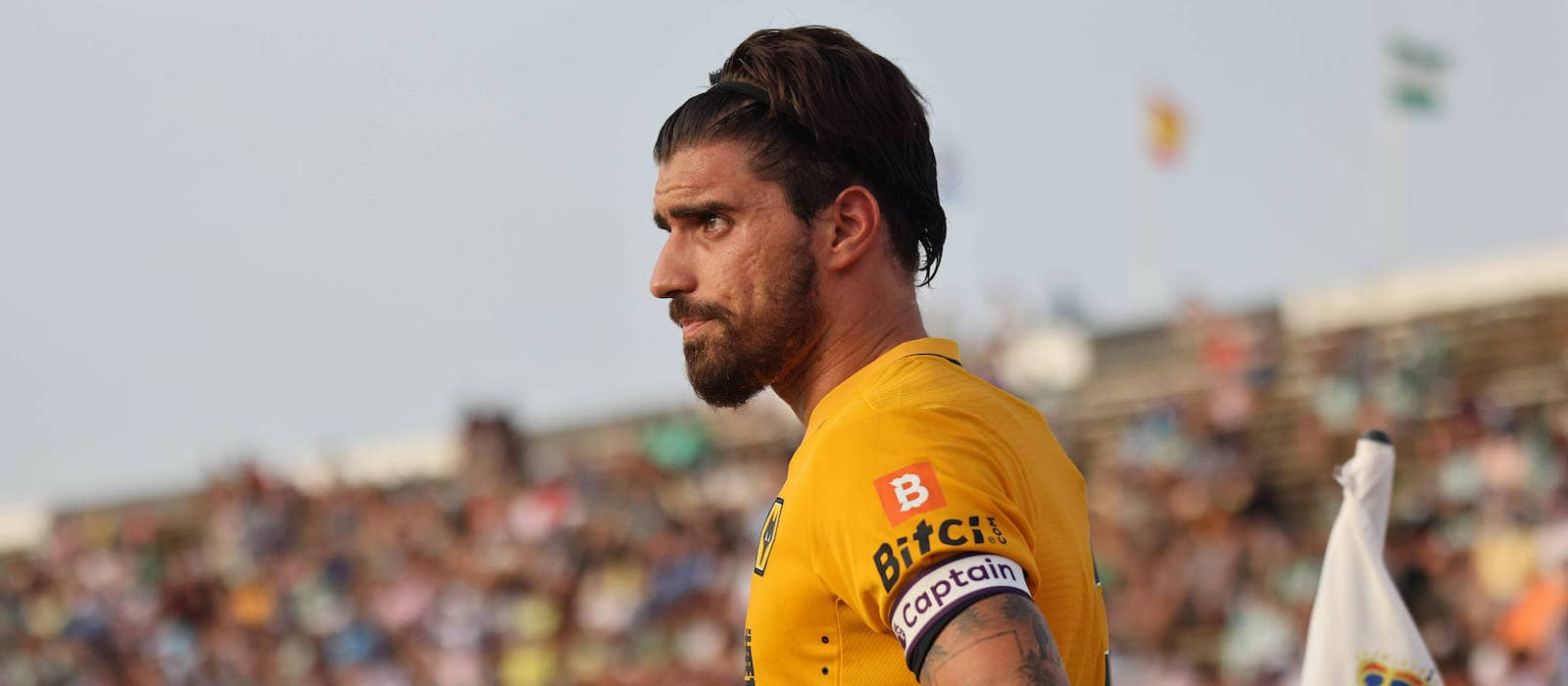 The red devils head into the game looking to continue their. Manchester United Considering Late Move For Wolves Ruben Neves Man United News And Transfer News The Peoples Person
