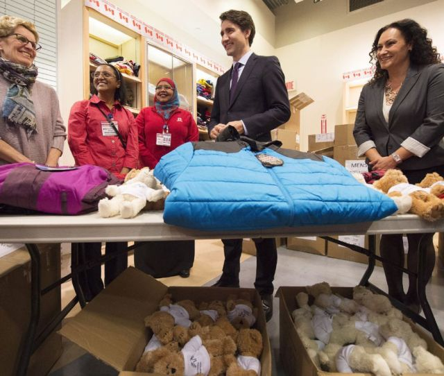 Canadian Prime Minister Justin Trudeau Second From Right And Ontario Premier Kathleen Wynne