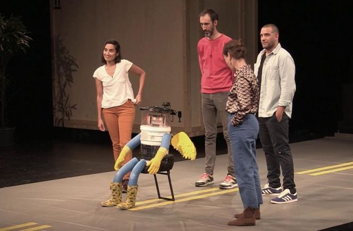 """A reincarnation of hitchBOT, Canada's world-famous hitchhiking robot, is now featured in a French play called """"Killing Robots."""""""