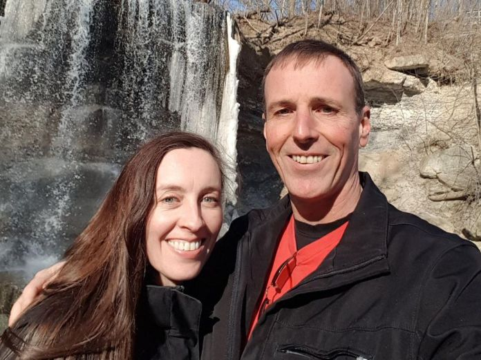 Sean Dillon (right) of Sarnia, Ont., and girlfriend Sally, who lives just a 12-minute drive away in Port Huron, Mich.