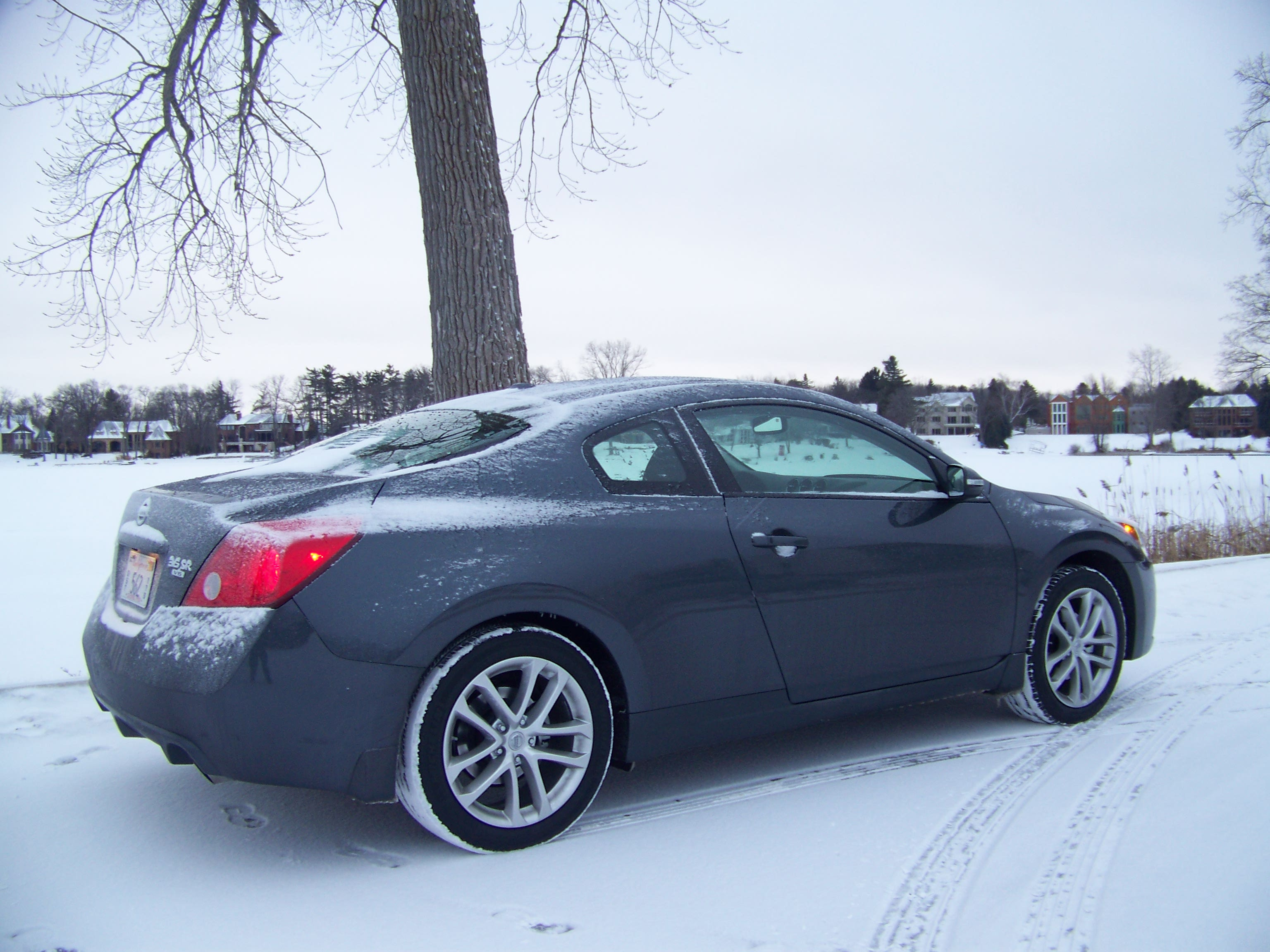 review 2010 nissan altima coupe the truth about cars. Black Bedroom Furniture Sets. Home Design Ideas