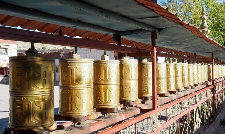 Visit Mani Lhakhang Stupa