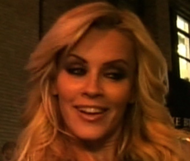 Jenny Mccarthy Naked Making Out With Chicks