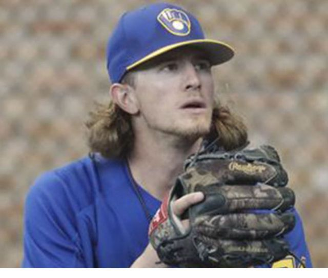 Josh Hader The Mlb All Star Pitcher Who Just Apologized For Racist And Homophobic Tweets Got A Heros Welcome Saturday Night In Milwaukee