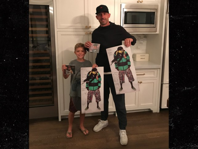 Lil Wayne Thanks Kyle Shanahan For Naming Son After Him With Cool Gifts!!