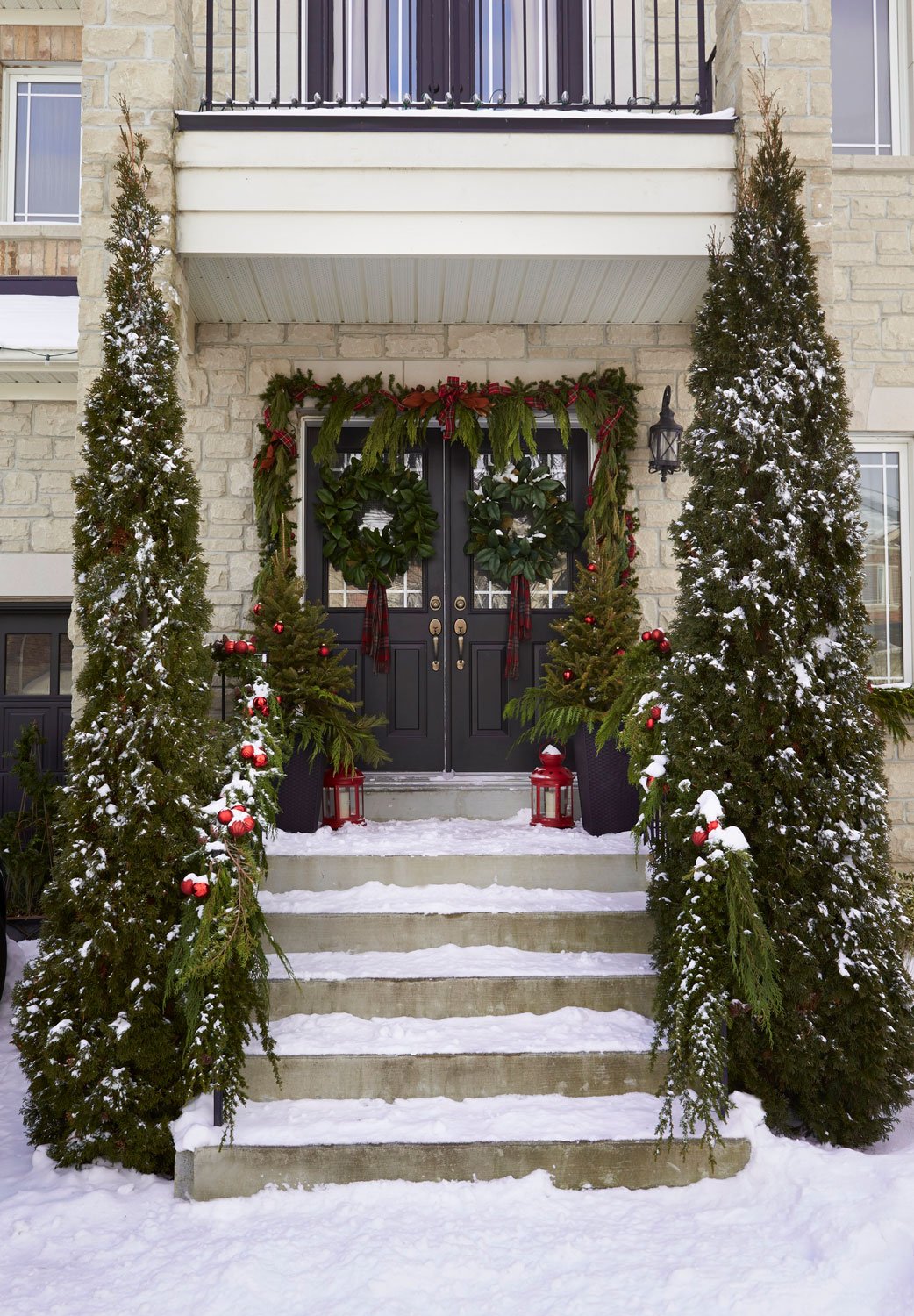 Outdoor Holiday Dcor Traditional Home