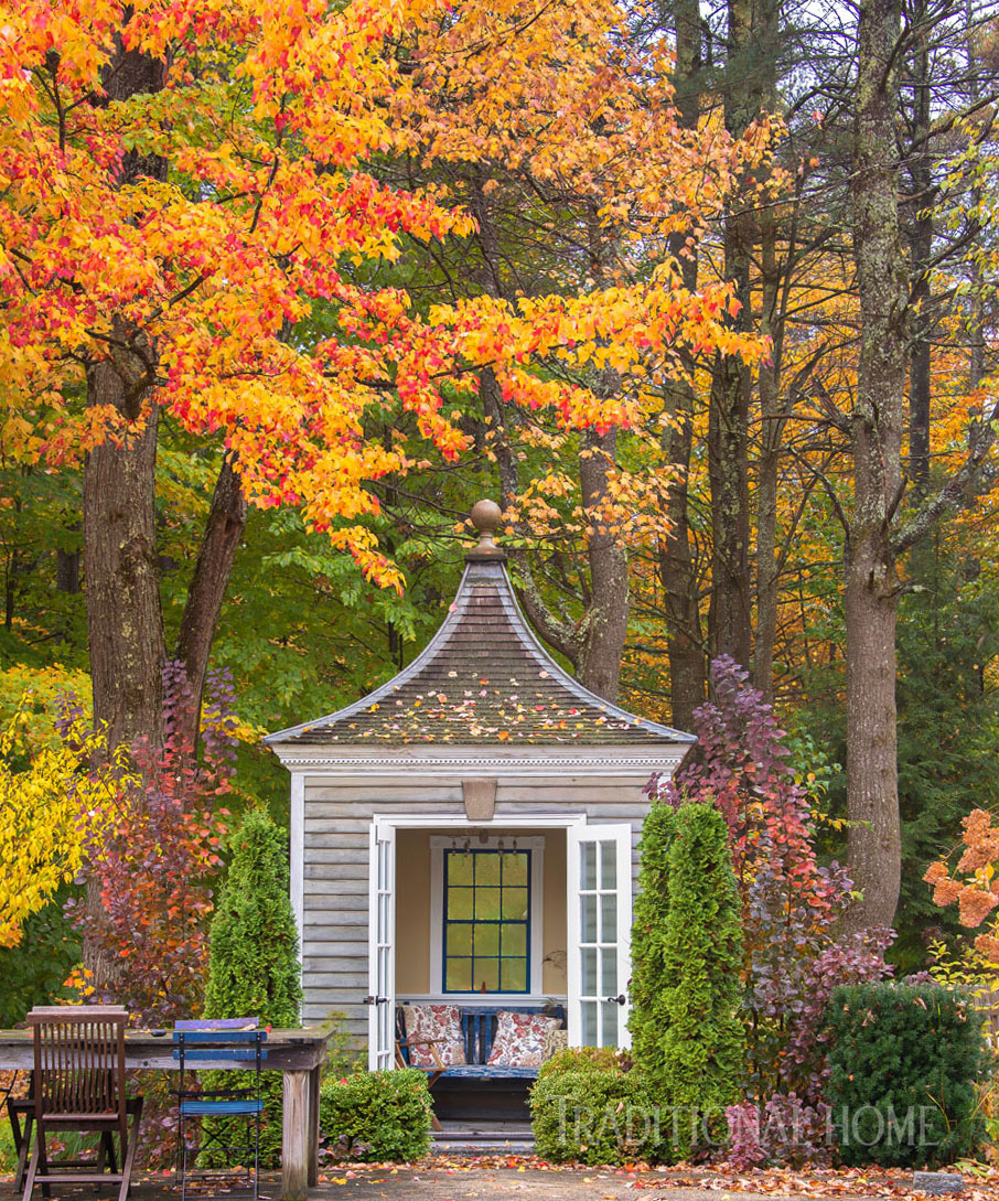 Beautiful Autumn Garden Traditional Home