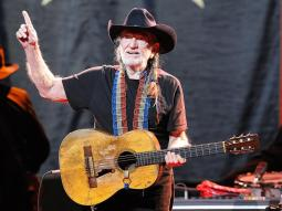 Willie Nelsonâ??s 2018 Farm Aid Concert to Air on AXS TV on Sept. 22 With Chris Stapleton, Sturgill Simpson, Kacey Musgraves & More