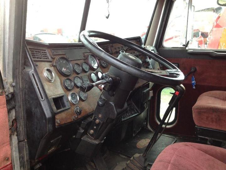 peterbilt 379 interior parts