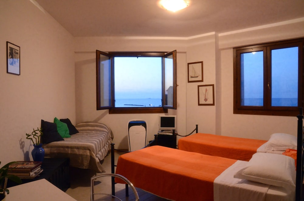 Bb Pontemare In Ancona Cheap Hotel Deals Rates Hotel