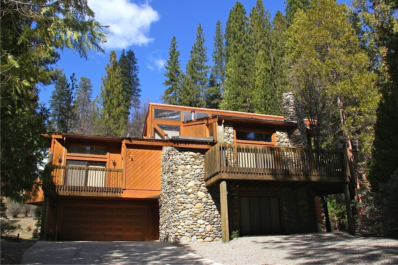 Frank Lloyd Wright Inspired Home Inside Yosemite Nat L Park Central A C 3 Decks In Yosemite National Park Ca Expedia