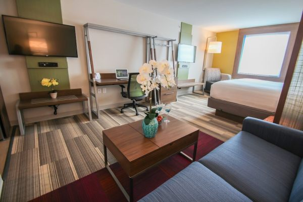 holiday inn express amp suites miami airport and intermodal - 773×530
