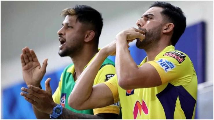 IPL में पिछले 5 मैचों में दोनों टीमों की आमने सामने की टक्कर देखेंगे तो यहां भी CSK 3-2 से RCB से आगे है. (Photo: iplt20.com)