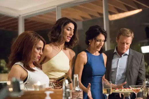Girlfriends' Guide to Divorce - Rule #36: If You Can't Stand The Heat, You're Cooked